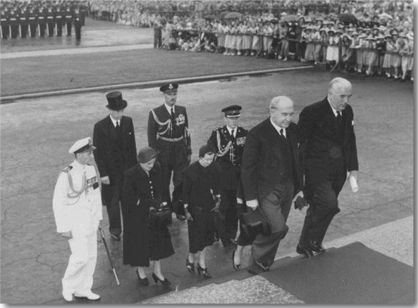Opening of parliment 1952