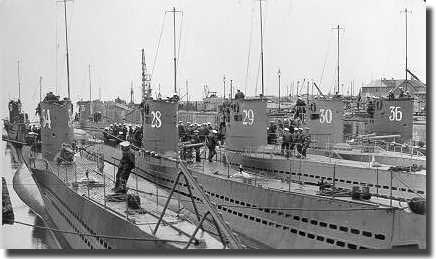 U-34 in the foreground with some of her sister boats.